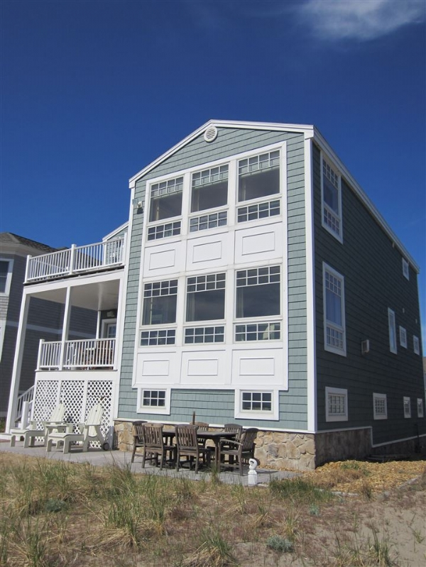 4618503 featured image hampton beach real estate for Hamptons beach house for sale